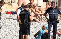 Cảnh sát Pháp yêu cầu phụ nữ Hồi giáo cởi bỏ burkini