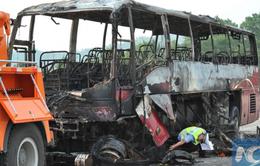 Trung Quốc: Cháy xe chở khách du lịch, 35 người thiệt mạng