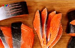 Chưa có cơ sở khoa học chứng minh cá hồi là thực phẩm độc hại