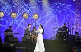 Thành Lê và Quang Hào hòa giọng ăn ý trong chương trình Nghệ sỹ tháng