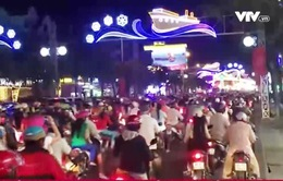 Giao thông kẹt cứng trong đêm Giáng sinh tại Cần Thơ
