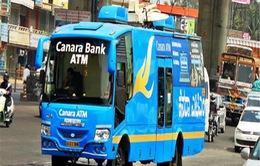 Xe bus ATM - Giải pháp sáng tạo thời khủng hoảng đổi tiền tại Ấn Độ