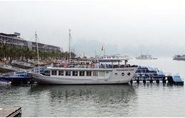 Tàu du lịch vịnh Hạ Long đón trả khách tại cảng mới