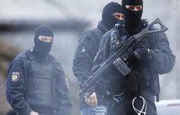 Cảnh sát Đức đồng loạt truy lùng các nghi can khủng bố tại 5 bang