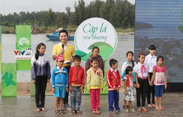 Cặp lá yêu thương viết tiếp ước mơ cho trẻ em nghèo Quảng Ngãi