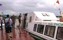 Hơn 300 du khách ở Cát Bà đến điểm tránh trú bão an toàn