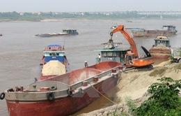 Xử lý 8 tàu khai thác cát trái phép trên sông Hồng