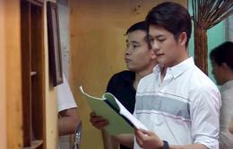 Phim Tuổi thanh xuân 2: Quay tại Hà Nội nóng bức, Nhã Phương và Kang Tae Oh được quạt mát liên tục