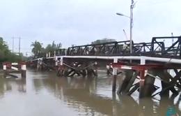Khắc phục thiệt hại do sự cố sà lan va đụng vào cầu Rạch Đĩa 1