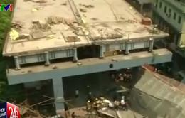 Cầu vượt tại Ấn Độ rung lắc dữ dội trước khi sập