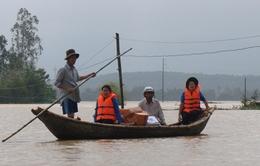 Cứu trợ khẩn cấp 4 tỉnh miền Trung bị thiệt hại nghiệm trọng do mưa lũ