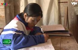 Hoàn cảnh đáng thương của em học sinh nghèo sống thiếu hơi ấm bố mẹ