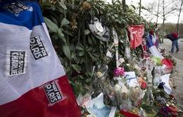 Tổng thống Pháp khai trương biển tưởng niệm nạn nhân ở tòa soạn Charlie Hebdo