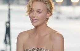 Từ bỏ thân hình gợi cảm, Charlize Theron tăng 16kg cho vai diễn mới