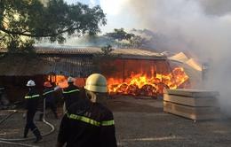 Kịp thời dập tắt đám cháy trên phố Nguyễn Thái Học, Hà Nội