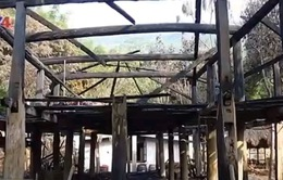 Phục dựng thành công Nhà Lang người Mường sau 2 năm bị cháy