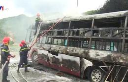 Xe khách bị cháy ở Phú Yên