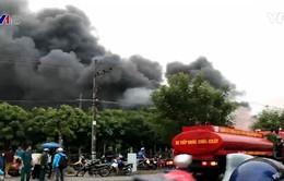 Cháy lớn tại kho phế liệu ở Bình Dương