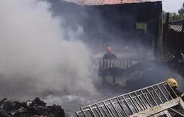 Huế: Cháy rụi cơ sở thu mua phế liệu nghi do chập điện