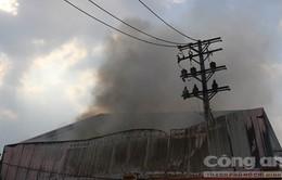 Cháy xưởng sản xuất, nhiều công nhân hoảng loạn