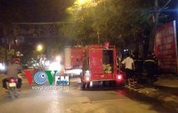 Cháy khu nhà tạm cho công nhân, nhiều người hoảng loạn