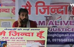 """Số phận éo le của những người """"sống nhưng đã chết"""" tại Ấn Độ"""