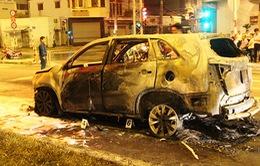 Gây tai nạn, ô tô kéo lê xe máy 4km và bốc cháy dữ dội