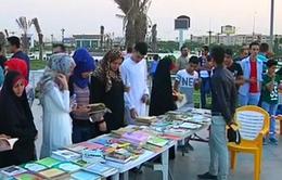 Chiến dịch đọc sách thu hút hàng trăm người tham gia tại Iraq