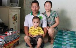Niềm vui của gia đình lực sỹ Lê Văn Công sau khi anh lập nên kỳ tích