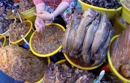 Thăm vương quốc mắm ở chợ Châu Đốc, An Giang