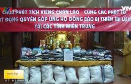 Phật tử chùa Phật Tích (Vientiane) hướng về miền Trung