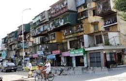 Hà Nội: Di dời dân khẩn cấp khỏi 2 chung cư xuống cấp nghiêm trọng