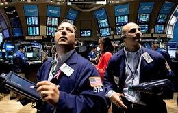 Giá dầu xuống dưới 30 USD/thùng, chứng khoán Mỹ tràn ngập sắc đỏ