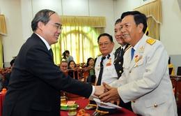 Đồng chí Nguyễn Thiện Nhân gặp mặt cựu chiến binh Đoàn 962