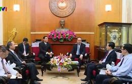 Đồng chí Nguyễn Thiện Nhân tiếp Phó Chủ tịch Ủy ban Trung ương Mặt trận Lào xây dựng đất nước