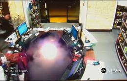 Thuốc lá điện tử bất ngờ phát nổ trong túi quần