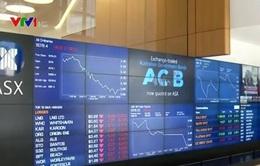 Chứng khoán toàn cầu sụt giảm vì sàn Trung Quốc ngừng giao dịch