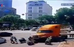 4 clip tai nạn giao thông đáng nhớ nhất năm 2015