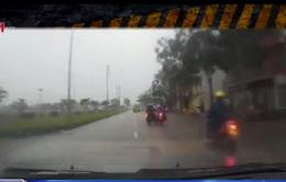 Va chạm giao thông do thiếu quan sát từ cả hai chủ xe