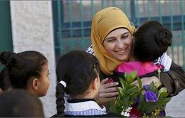 """Một phụ nữ Palestine giành giải """"Giáo viên giỏi nhất thế giới"""""""