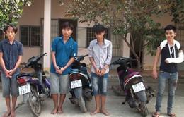 Bắt giữ 4 đối tượng cướp giật dây chuyền vàng tại Long An