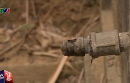 """Ngay sát công trình nước, người dân vẫn """"khát"""" nước sạch"""