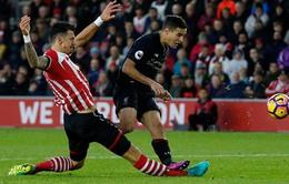 Southampton 0-0 Liverpool: Ngôi đầu lung lay