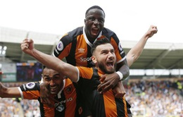 VIDEO: Snodgrass kết liễu Leicester City với cú sút như búa bổ