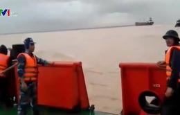 Cứu nạn 5 tàu hàng gặp nạn trên vùng biển Quảng Bình