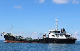 Bắt tàu nước ngoài chở 260.000 lít dầu lậu