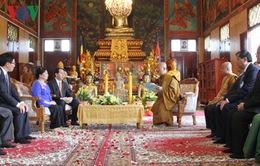 Chủ tịch nước thăm các Đại Tăng Thống Campuchia
