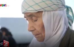 Cụ bà 115 tuổi di cư hàng ngàn cây số để đoàn tụ gia đình