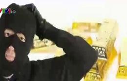 Nhật Bản: Cướp đóng giả cảnh sát lừa lấy 100kg vàng