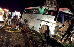Brazil: Cướp xe khách gây tai nạn, hơn 30 người thương vong